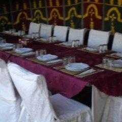 Отель Kasbah Bivouac Lahmada Марокко, Мерзуга - отзывы, цены и фото номеров - забронировать отель Kasbah Bivouac Lahmada онлайн питание фото 2