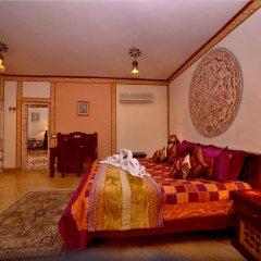Отель Chokhi Dhani Resort Jaipur 4* Коттедж с различными типами кроватей фото 6