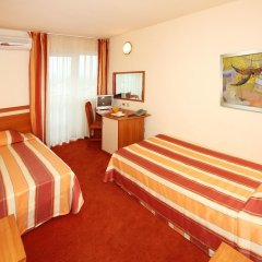 Отель Interhotel Cherno More 4* Номер категории Эконом с 2 отдельными кроватями