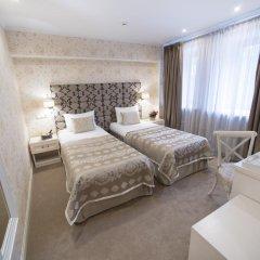 Гостиница Де Пари 4* Улучшенный номер 2 отдельные кровати