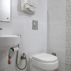 Отель FabHotel Mohan International Paharganj 3* Номер Делюкс с различными типами кроватей фото 5