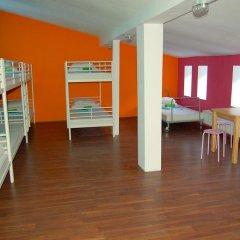 Хостел Fabryka Кровать в общем номере фото 2