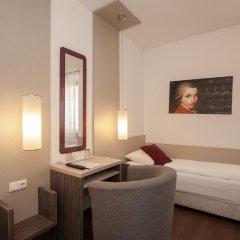 Отель Urban Stay Villa Cicubo Salzburg Австрия, Зальцбург - 3 отзыва об отеле, цены и фото номеров - забронировать отель Urban Stay Villa Cicubo Salzburg онлайн комната для гостей фото 11