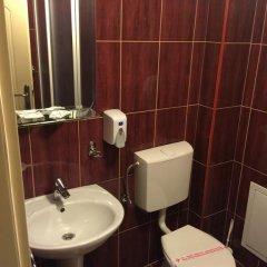 Отель Karavan Сербия, Рашка - отзывы, цены и фото номеров - забронировать отель Karavan онлайн ванная фото 2