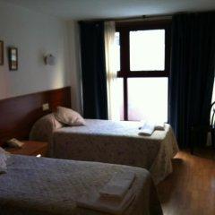 Отель Hostal Adelia 2* Стандартный номер с различными типами кроватей