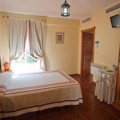 Отель Hostal San Juan Стандартный номер с различными типами кроватей фото 9