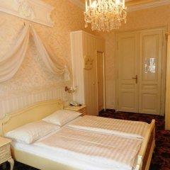 Отель Aviano Pension 4* Стандартный номер с двуспальной кроватью фото 12