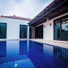 Отель Buabaan Villa by Kalayanuwat бассейн