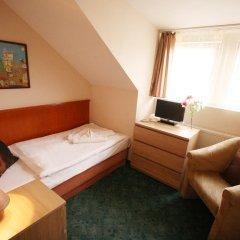 Hotel GEO 3* Стандартный номер с двуспальной кроватью