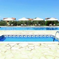 Alexandros Hotel Apartments бассейн