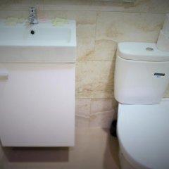 Отель MyBedBcn Испания, Барселона - отзывы, цены и фото номеров - забронировать отель MyBedBcn онлайн ванная фото 2