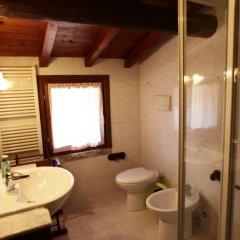 Отель Oasi del Garda Монцамбано ванная фото 2