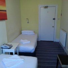 Manor Hotel 2* Стандартный номер с 2 отдельными кроватями (общая ванная комната) фото 2