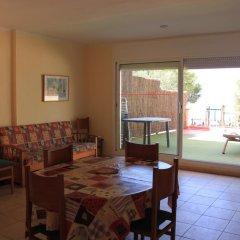 Апартаменты La Madrague Apartments Курорт Росес комната для гостей фото 2