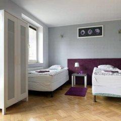 Гостевой Дом Anton House Стандартный семейный номер с двуспальной кроватью фото 4