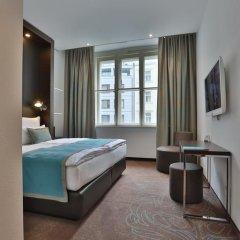 Отель Motel One Prague 3* Стандартный номер с различными типами кроватей фото 6