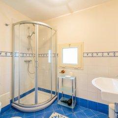 Отель L'Altra Metà Италия, Гальяно дель Капо - отзывы, цены и фото номеров - забронировать отель L'Altra Metà онлайн ванная