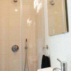 Апартаменты Ziv Apartments 8 Amos Street Тель-Авив ванная