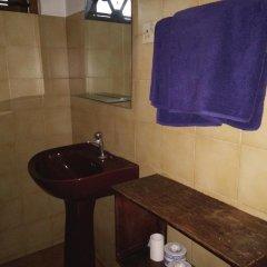 Отель Villa O.V.C Шри-Ланка, Хиккадува - отзывы, цены и фото номеров - забронировать отель Villa O.V.C онлайн ванная фото 2
