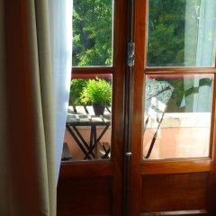 Отель Alfama 3B - Balby's Bed&Breakfast Стандартный номер с 2 отдельными кроватями (общая ванная комната) фото 9