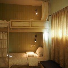 Отель The Luna Кровать в общем номере фото 2