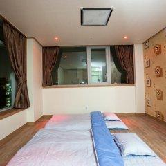Отель YD Residence сейф в номере