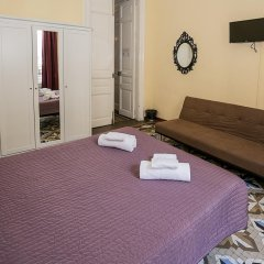 Отель Hostal Balmes Centro Стандартный номер с двуспальной кроватью (общая ванная комната) фото 7