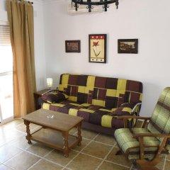 Отель Apartamentos Conil Alquila Испания, Кониль-де-ла-Фронтера - отзывы, цены и фото номеров - забронировать отель Apartamentos Conil Alquila онлайн комната для гостей фото 4