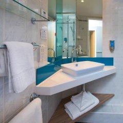 Отель Holiday Inn Express Bath 3* Стандартный номер с различными типами кроватей