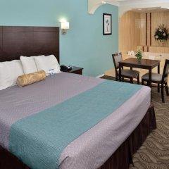 Отель Rodeway Inn & Suites LAX 2* Стандартный номер с различными типами кроватей фото 5