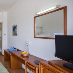 Отель Adelais Bay Протарас удобства в номере