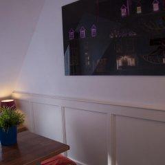 Lange Jan Hotel 2* Номер с общей ванной комнатой с различными типами кроватей (общая ванная комната) фото 3