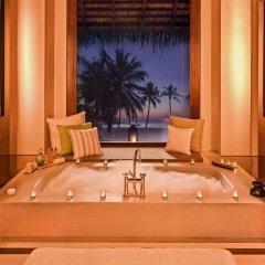 Отель One&Only Reethi Rah 5* Вилла с различными типами кроватей фото 28