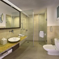 Отель Four Points by Sheraton New Delhi, Airport Highway ванная