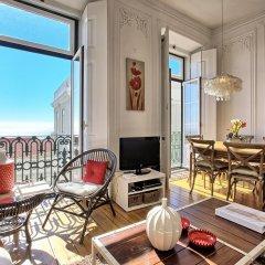 Апартаменты Localtraveling ALFAMA River View - Family Apartments балкон
