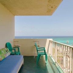 Отель Montego Bay Club Resort Ямайка, Монтего-Бей - отзывы, цены и фото номеров - забронировать отель Montego Bay Club Resort онлайн балкон