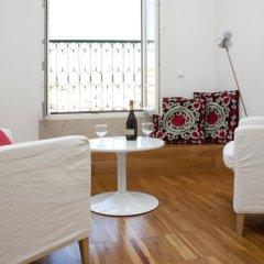 Апартаменты Lisbon Serviced Apartments - Bairro Alto комната для гостей фото 2