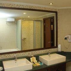 Crowne Plaza Hotel Antalya Турция, Анталья - 10 отзывов об отеле, цены и фото номеров - забронировать отель Crowne Plaza Hotel Antalya онлайн ванная фото 2