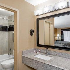 Отель Days Inn by Wyndham Sarasota Bay 2* Стандартный номер с различными типами кроватей фото 5