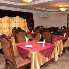 Отель The Emperor Place (Annex) Нигерия, Лагос - отзывы, цены и фото номеров - забронировать отель The Emperor Place (Annex) онлайн питание фото 3