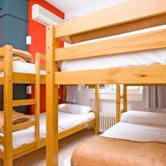 Отель Madrid Motion Hostels 2* Кровать в общем номере с двухъярусной кроватью фото 7