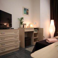 Отель Home Slava White Улучшенный номер фото 5