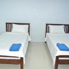 Отель Jomthong Guesthouse 2* Стандартный номер с 2 отдельными кроватями фото 11