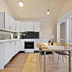 Отель Tromsø Camping Улучшенный коттедж с различными типами кроватей фото 7