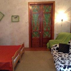 Ester President Hostel Стандартный номер с 2 отдельными кроватями (общая ванная комната)