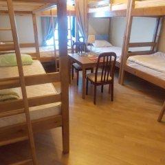 Томас Хостел Кровать в общем номере с двухъярусной кроватью
