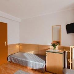 Отель Alfred Panzio комната для гостей фото 5
