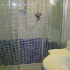 Отель Dina 3* Стандартный номер с двуспальной кроватью фото 3