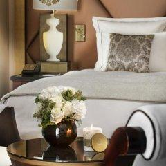 Отель Hôtel Barrière Le Fouquet's 5* Улучшенный номер с различными типами кроватей фото 5