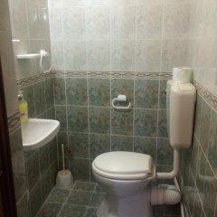 Отель Georgievi Rooms Болгария, Равда - отзывы, цены и фото номеров - забронировать отель Georgievi Rooms онлайн ванная